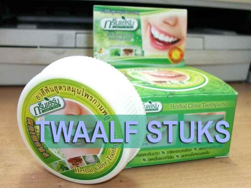 twaalf stuks kruiden tandpasta